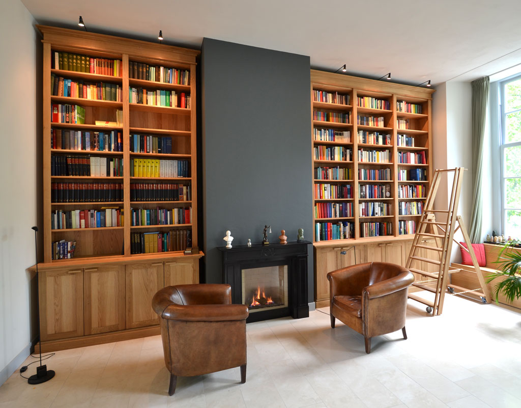 Hedendaags boekenkast van massief eikenhout - Daan Mulder Interior OV-24